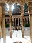 The Court of the Lions – Fountain, Alhambra Grenade, Espagne.