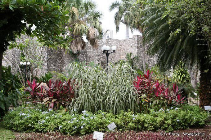 Campeche Baluarte De Santiago