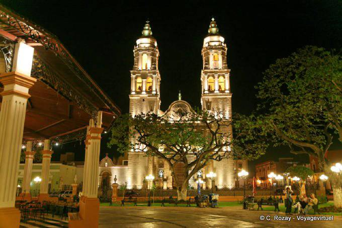 Campeche By Night Catedral Zocalo 13