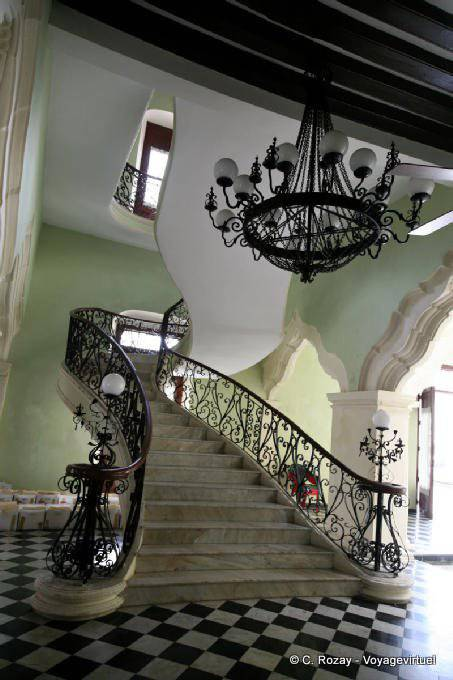 Campeche Palacio Escalier 0