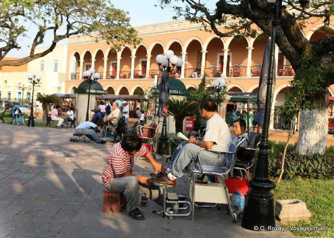 Campeche Zocalo Cireur De Chaussures 23