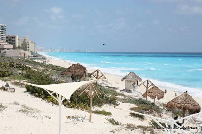 Cancun Playa Delfines 11