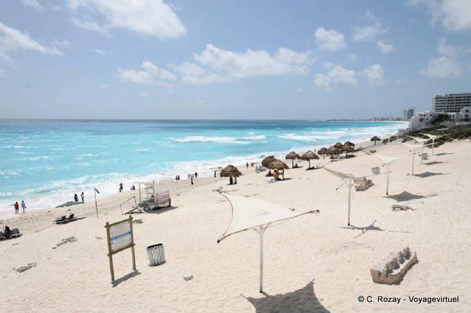 Cancun Playa Delfines 14