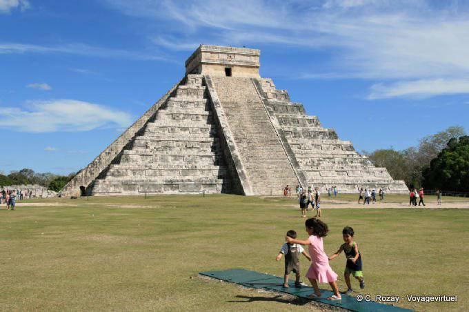 Chichen Itza Castillo Pyramide Kukulkan 2