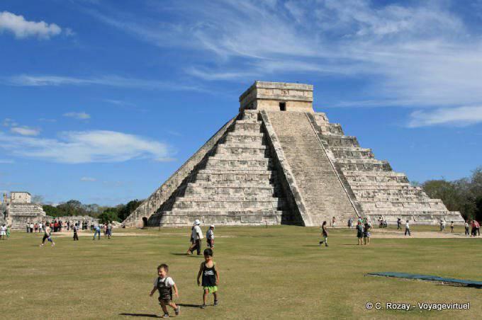 Chichen Itza Castillo Pyramide Kukulkan 3