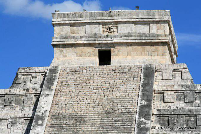 Chichen Itza Castillo Pyramide Kukulkan Temple Superieur