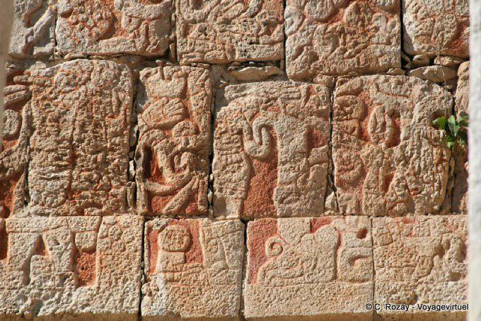 Chichen Itza Templo Del Hombre Con Barba 2