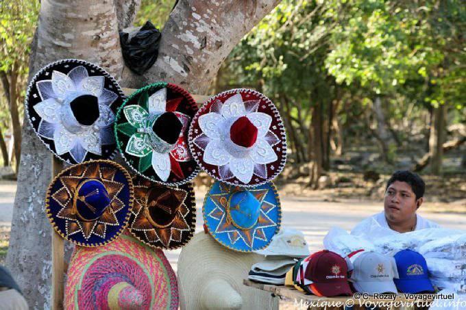 Chichen Itza Vendeur De Sombrero 13
