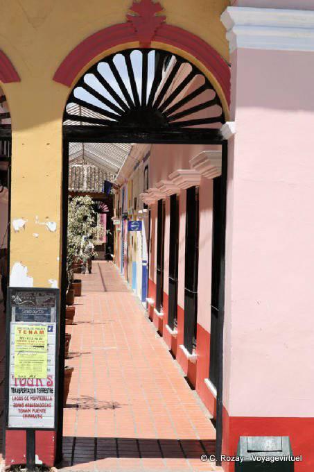 Comitan Chiapas Passage Colore