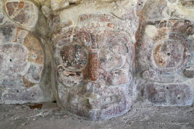 Edzna Templo De Mascarones Dieu Du Soleil Couchant 5