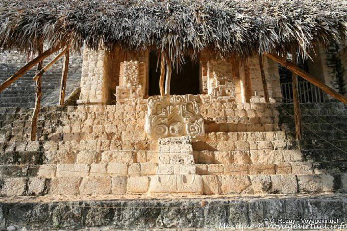 Ek Balam Jaguar Altar Entree Porte Droite 19