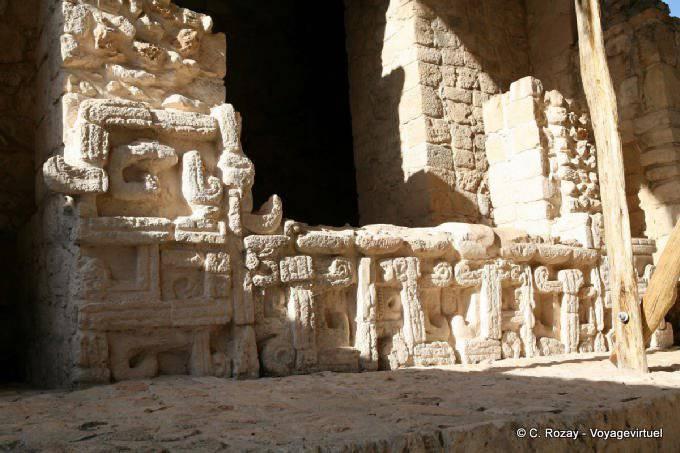 Ek Balam Jaguar Altar Entree Porte Droite Detail 18