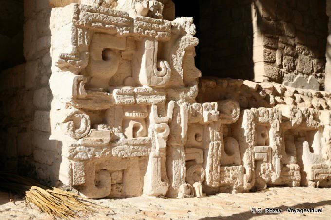 Ek Balam Jaguar Altar Entree Porte Droite Detail 7