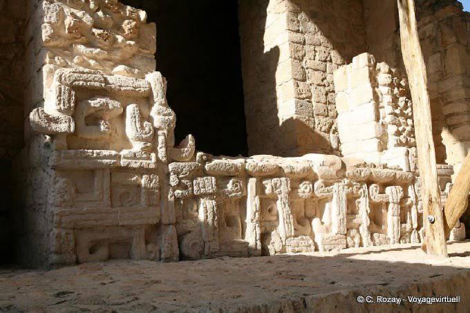 Ek Balam Jaguar Altar Entree Porte Gauche 3