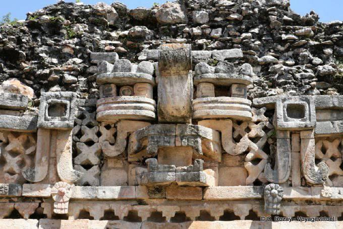 Labná, edificio de las columnas 21