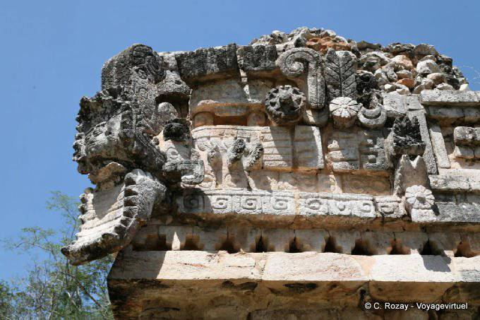 Labna Edificio De Las Columnas Serpent Detail 18