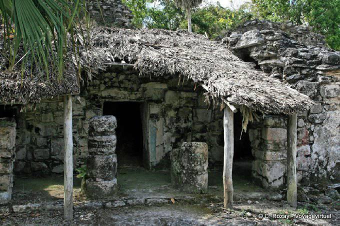 Muyil Palacio Rosas Ruinas 0