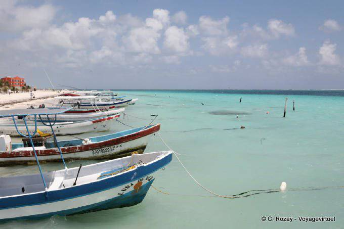 Puerto Morelos Alignement De Bateaux 22