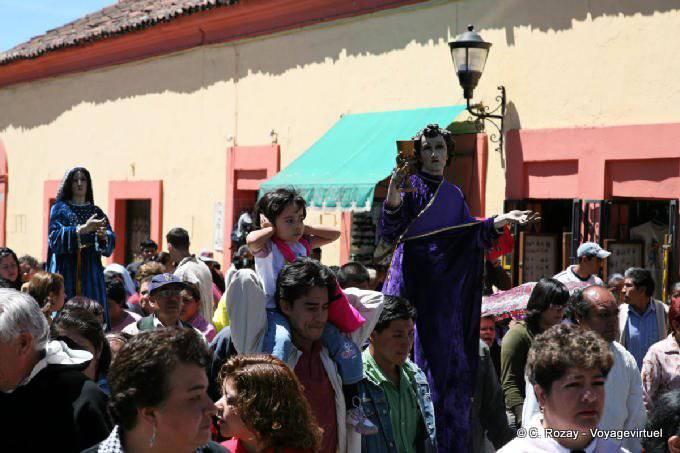 San Cristobal De Las Casas Manifestation Religieuse Paques 25