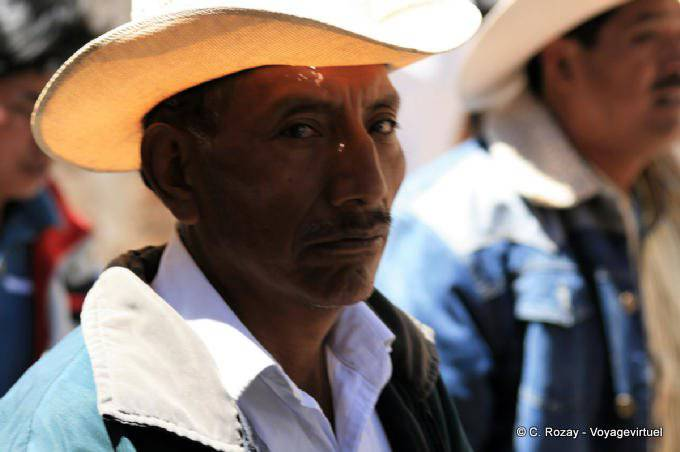 San Cristobal De Las Casas Manifestation Religieuse Paques 31
