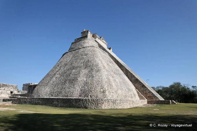Uxmal Adivino Pyramide Du Devin 3