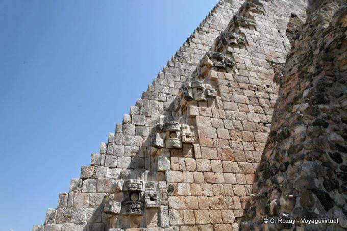 Uxmal Adivino Pyramide Du Devin 7