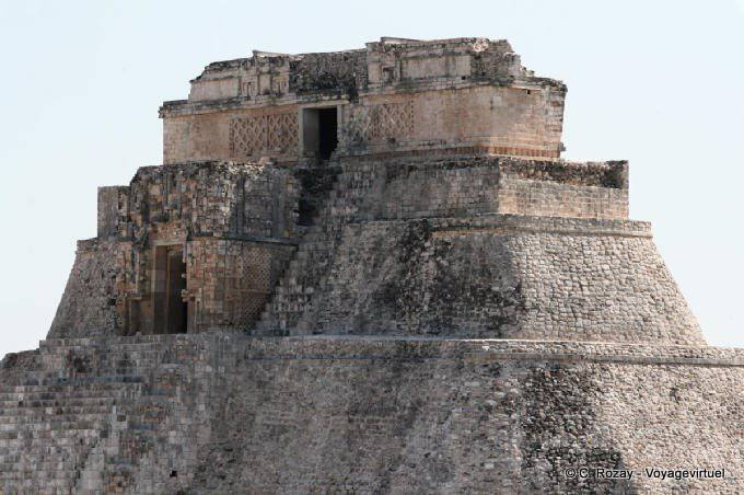 Uxmal Adivino Pyramide Du Devin Temple Superieur 26
