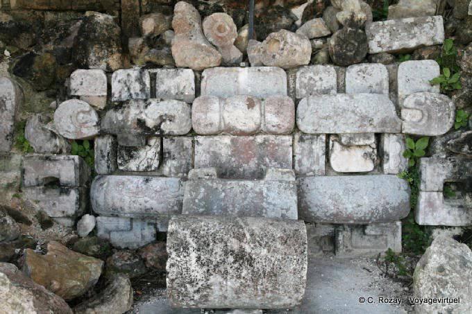 Uxmal Grande Pyramide Trone 8