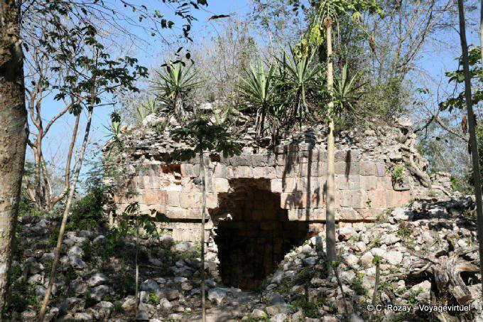 Uxmal Structure Cachee 84