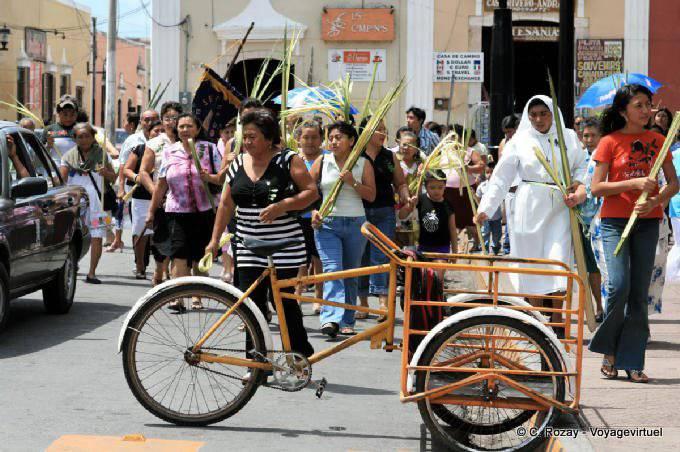 Valladolid Tricycle Et Religion Avant Paques 4