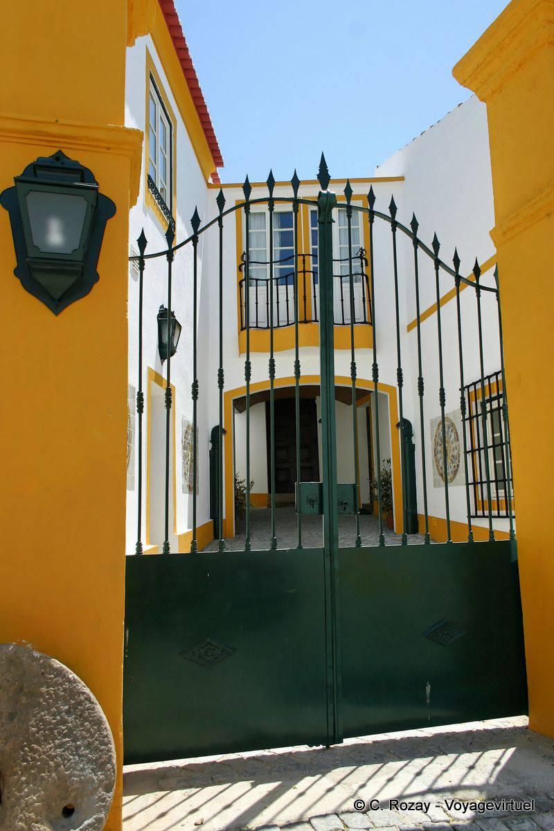 Portail D Une Maison Crato Portugal