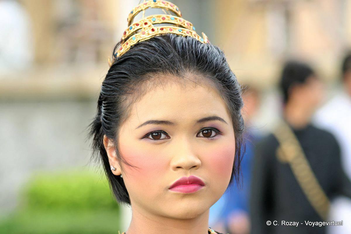 Femme Thailandaise Photos regard de femme, patong festival, phuket - thaïlande